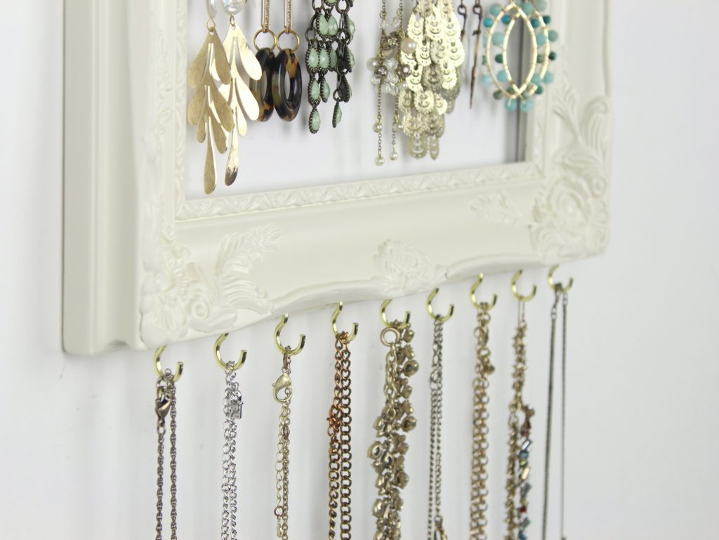 add-necklace-hooks