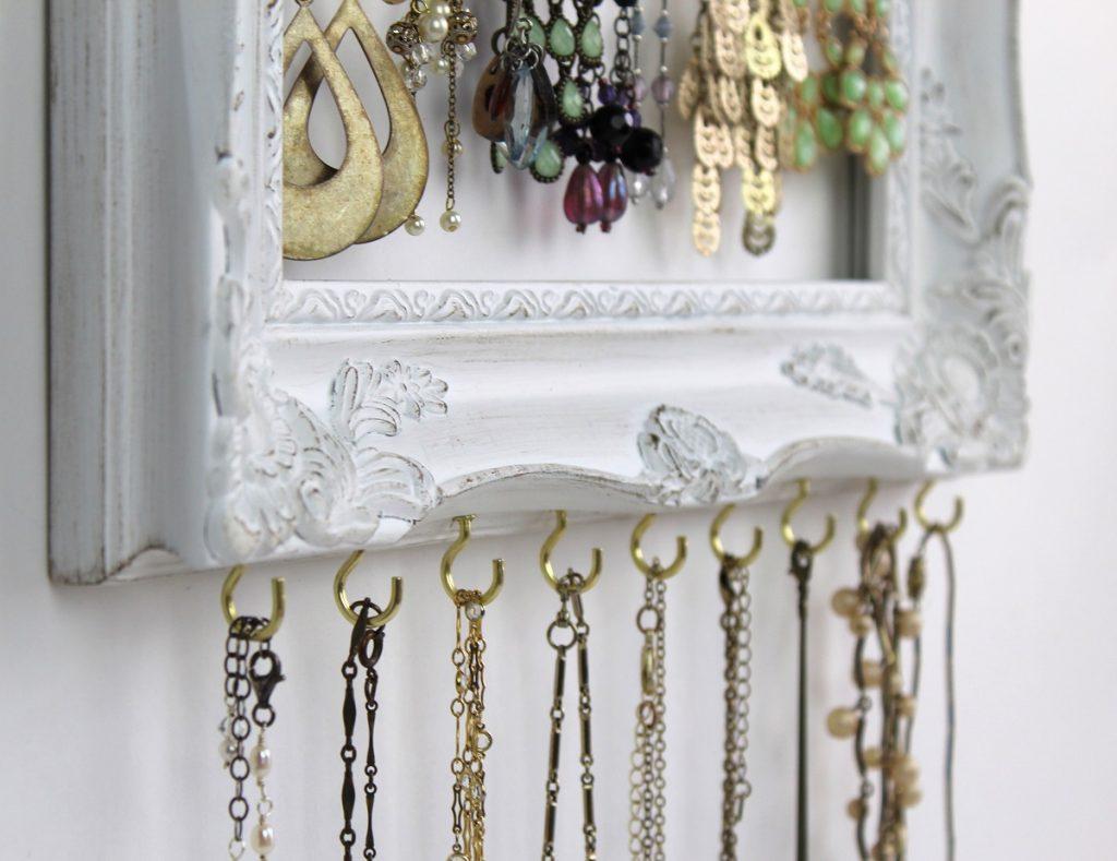 add-necklace-hooks
