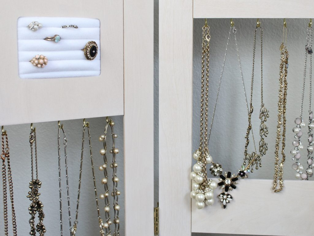jewelry-display-ideas-for-retail
