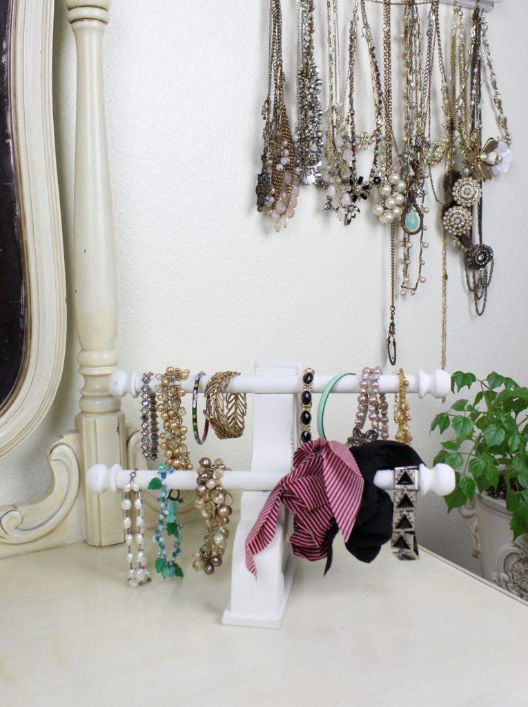 bracelet-display-stand